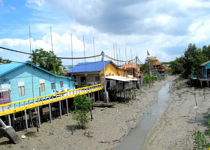 Pulau Ketam, Crab Island - houses