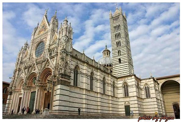 1108878284_蓋了500年的美麗大教堂