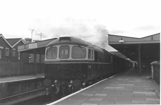 Class 33 BRC&WC Type 3 Bo-Bo D6508 SR mainline, Templecombe 1965
