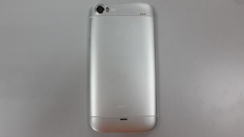 i-mobile IQ9.1 ด้านหลัง