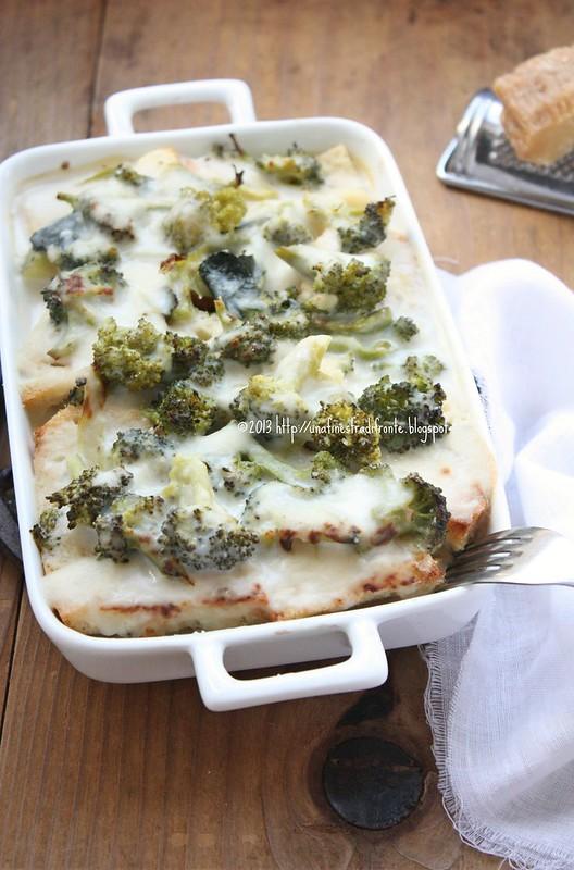 Sformato di pane e broccoli alle acciughe e pecorino