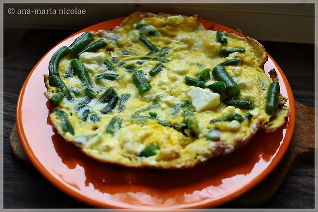 Green bean & goat cheese omlette