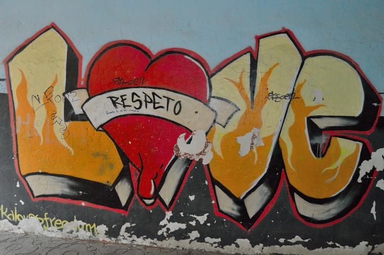 lara-vazquez-madlula-graffiti-Love
