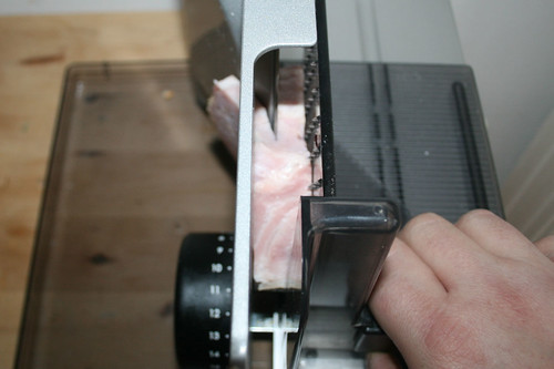 16 - Kasseler ggf. halbieren / Cut smokes pork in halfs