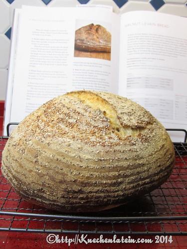 Weizensauerteigbrot mit Kleiekruste -  bran-encrusted levain bread 002