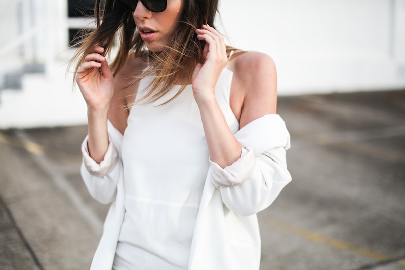 modern legacy fashion blog australia LIUK ivory split midi dress street style Zara blazer Alexander Wang Chastity chain tote bag Ray Ban oversized wayfarers all white summer style (8 of 14)