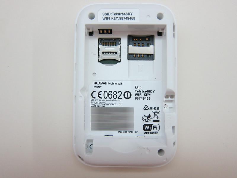Huawei E5372 - Back Opened