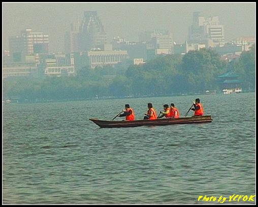 杭州 西湖 (其他景點) - 360 (西湖 湖上遊 往湖心亭 背景是柳浪聞鶯及市區一帶)