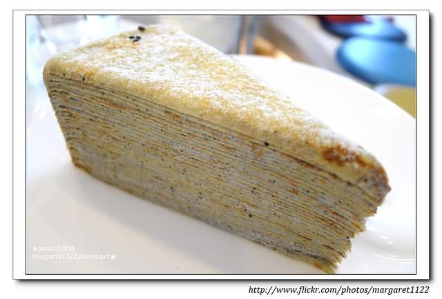 【特色好咖啡】傳說中蛋糕界的LV~台南。深藍咖啡館。千層派
