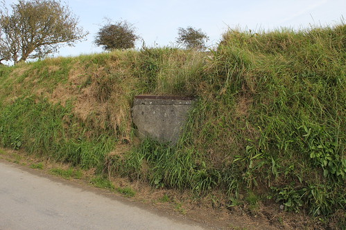 Stondin Laeth, Parc y Rhos ger Trefere Fawr, Penparc