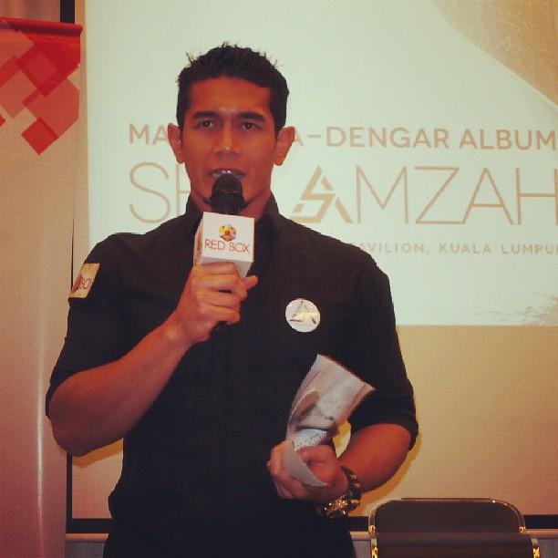 #LiveUpdate : Fahrin Ahmad tgh memulakan kata-kata aluan di #PraDengarAlbumShilaAmzah
