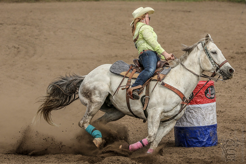 Gooseberry Lake : 4-H Rodeo 2013 : Accelerating Into the Curve