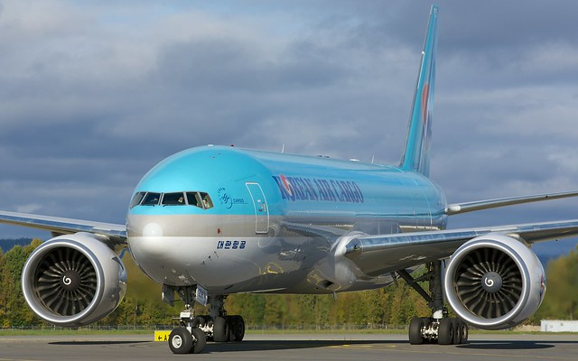 HL8226 Korean Air Lines Boeing 777-FB5