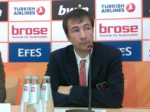 "Coach Banchi: ""Aggressive and unselfish"""