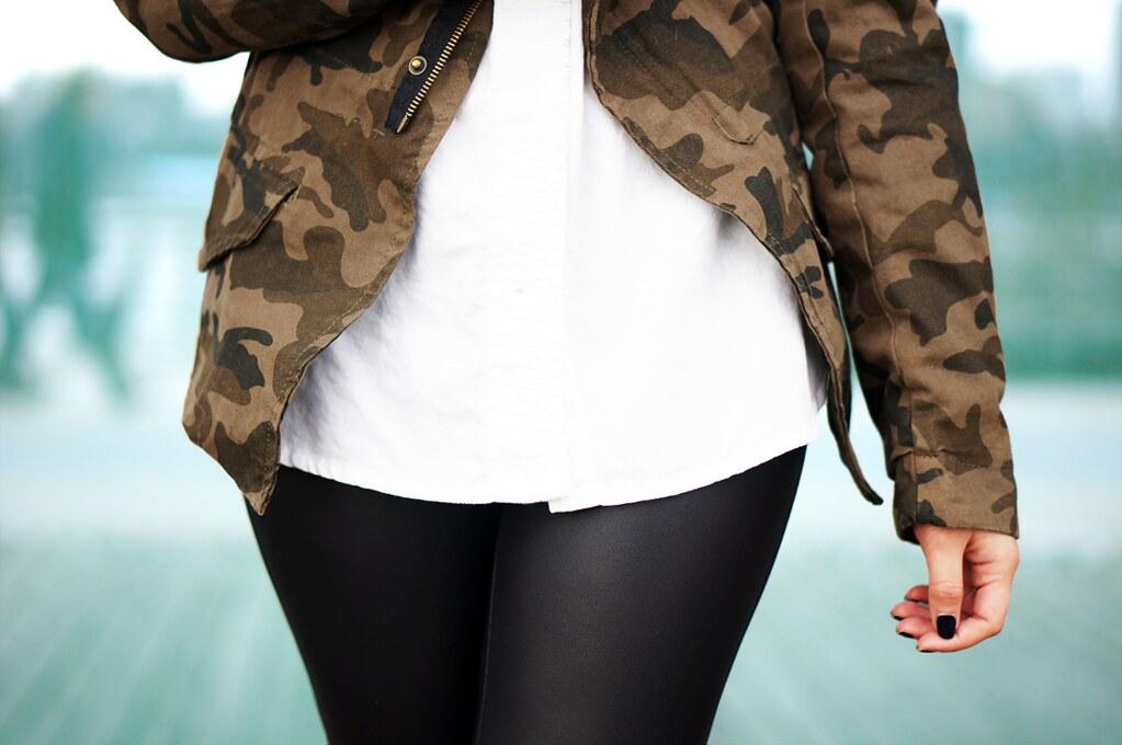 Petite Hues Blog, Zara Camouflage Jacket, Express Scuba Leggings, Faux Leather Leggings, Blue Pumps