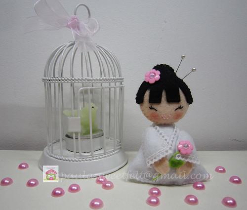 ♥♥♥ A kokeshi da Sophia, mais de pertinho... by sweetfelt \ ideias em feltro