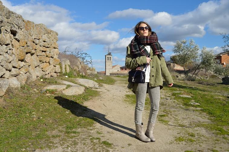 lara-vazquez-madlula-blog-fashion-style-parka-green-grey-jeans