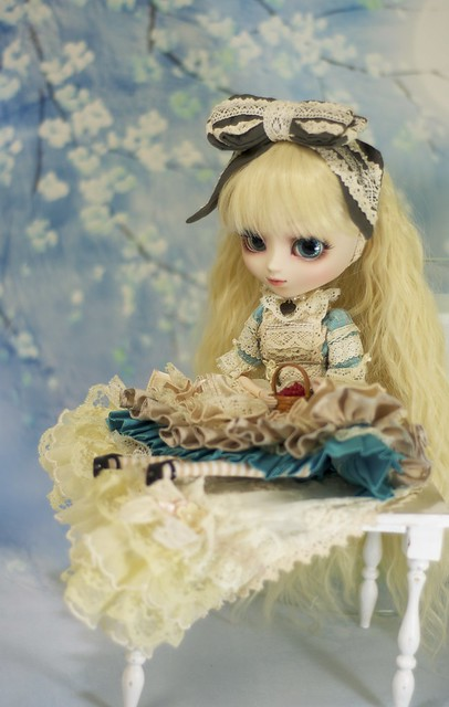 Pullip Io as Romantic Alice