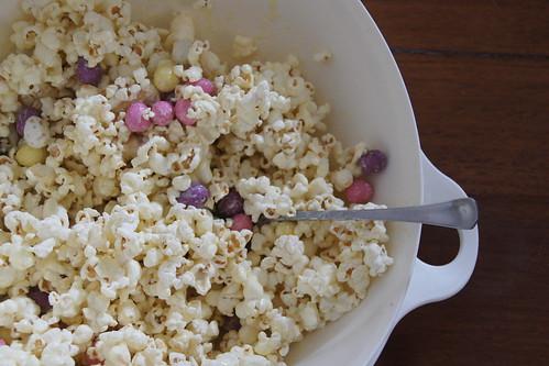 Easter popcorn DSC07093