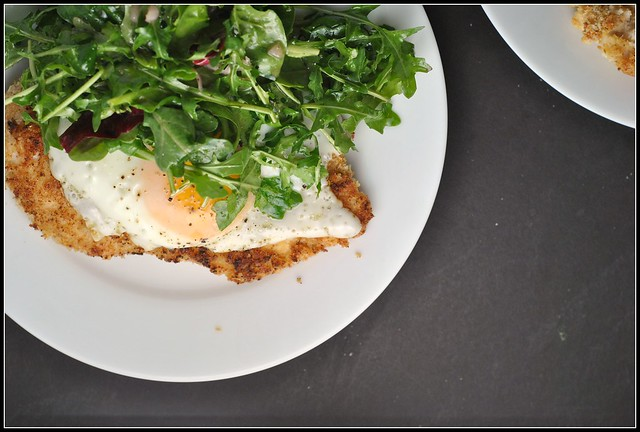 Crispy Baked Chicken with Egg and Arugula Salad 2
