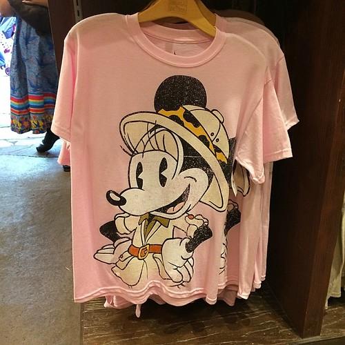 ミニーさんTシャツ。