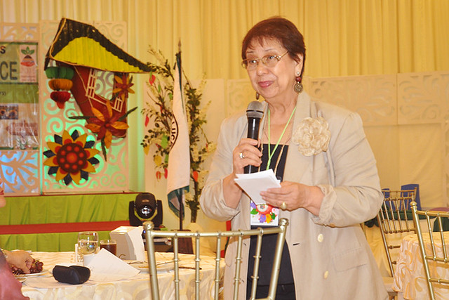 Dr. Mina Gabor
