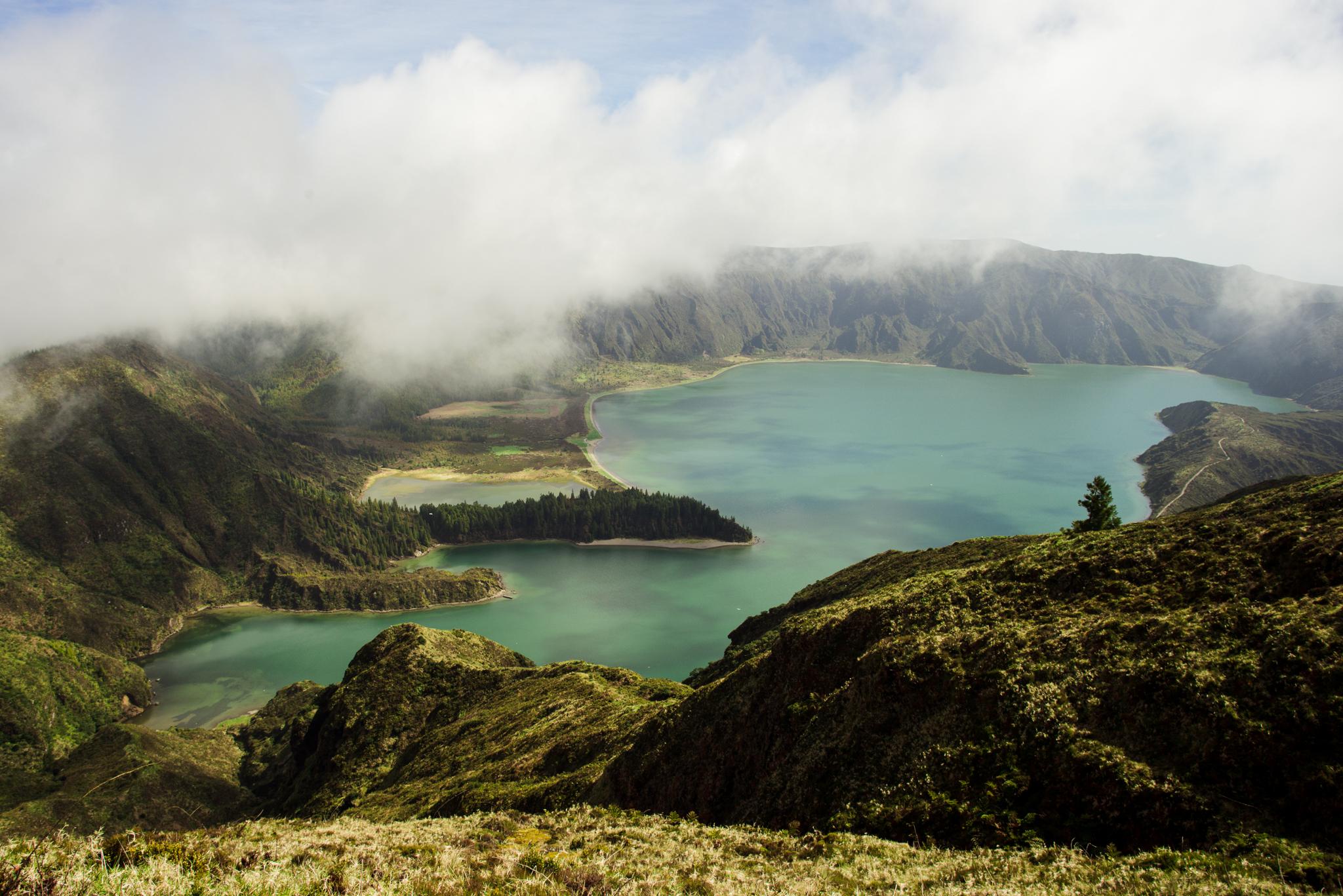 Lagoa de Fogo tó látképe