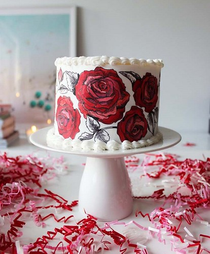 rose-painted-valentine-cake