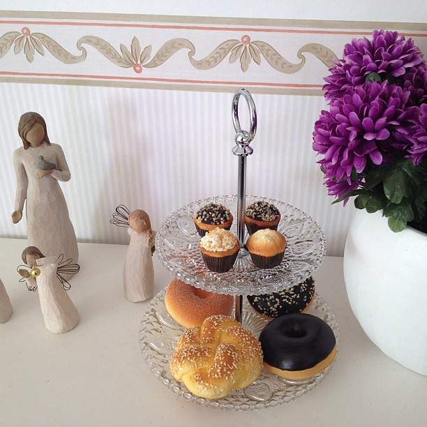 #myinteriorinspiration #faux #doughnut #caketray #instadaily #decorate #decoration #interior