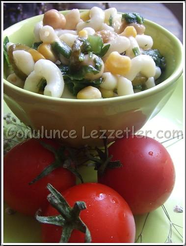 makarnalı, nohutlu salata 2