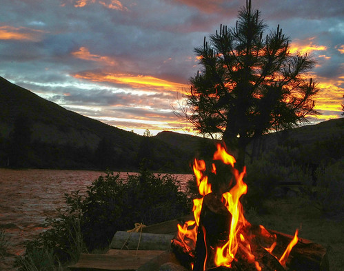 sunset water silhouette evening washington campfire blm centralwashington similkameenriver pacificnorthwesttrail okanogancounty