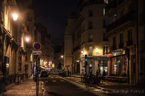 Paris at night by andiwolfe