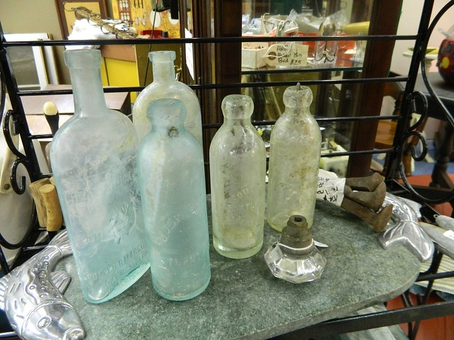 found glass bottles via homeologymodernvintage.com