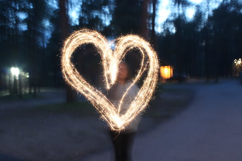 heart shaped sparkler art