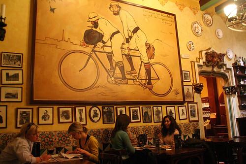 barcelona7_4cats_www.normalisgood.net_