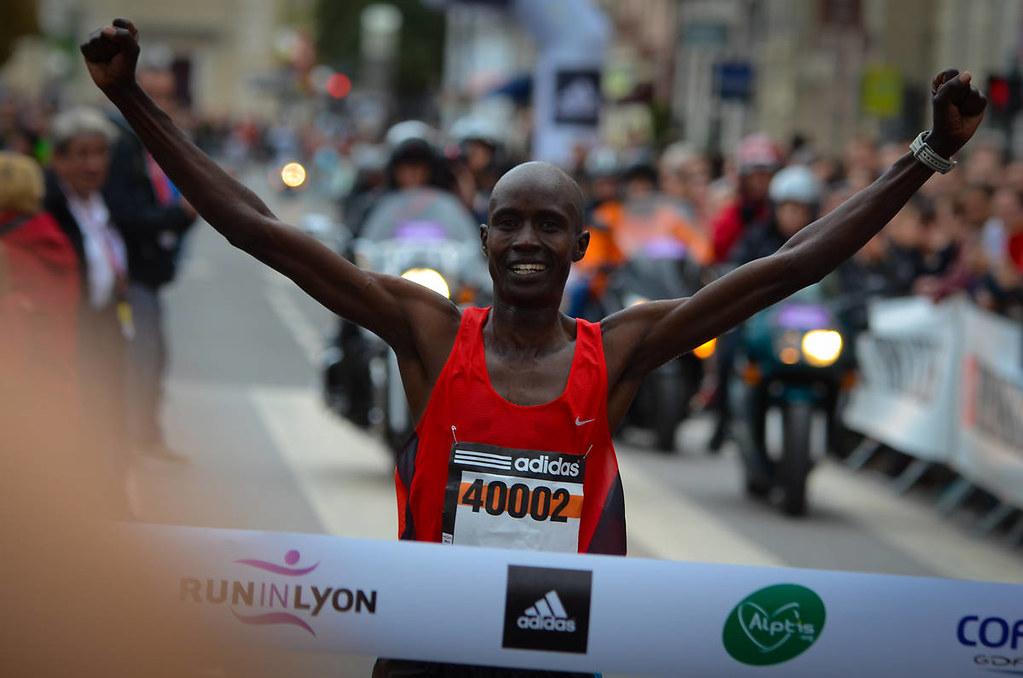 Runinlyon+Eliud+Kiplagat+vainqueur+2013+marathon