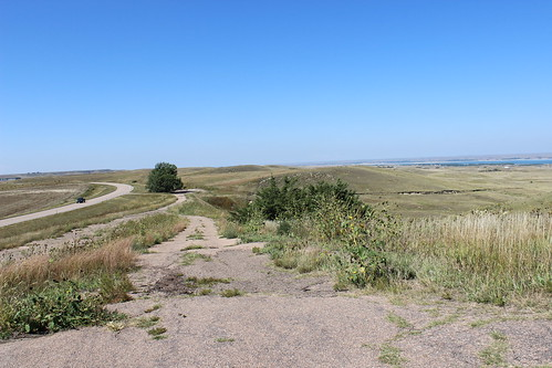IMG_1677_Road_Down_From_McConaughy_Lake_Overlook_Ogallala_NE
