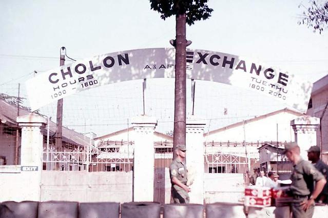 1967 Cholon PX sign - Đường Nguyễn Tri Phương