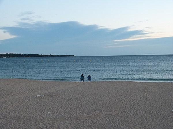 sur la plage, le soir ...