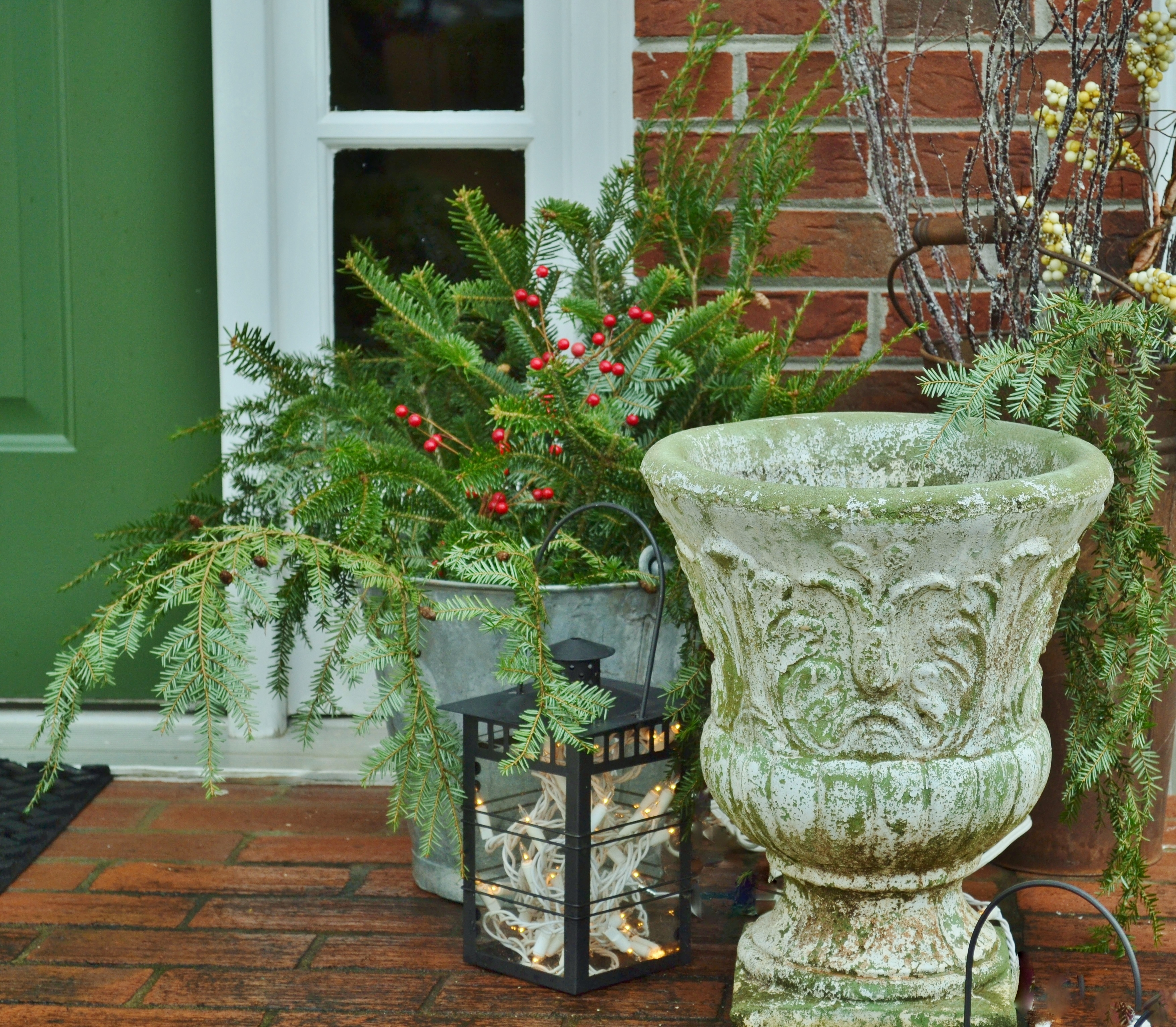 outdoor holiday styling