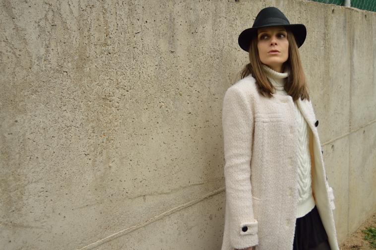 lara-vazquez-madlula-chic-style-hat-streetstyle