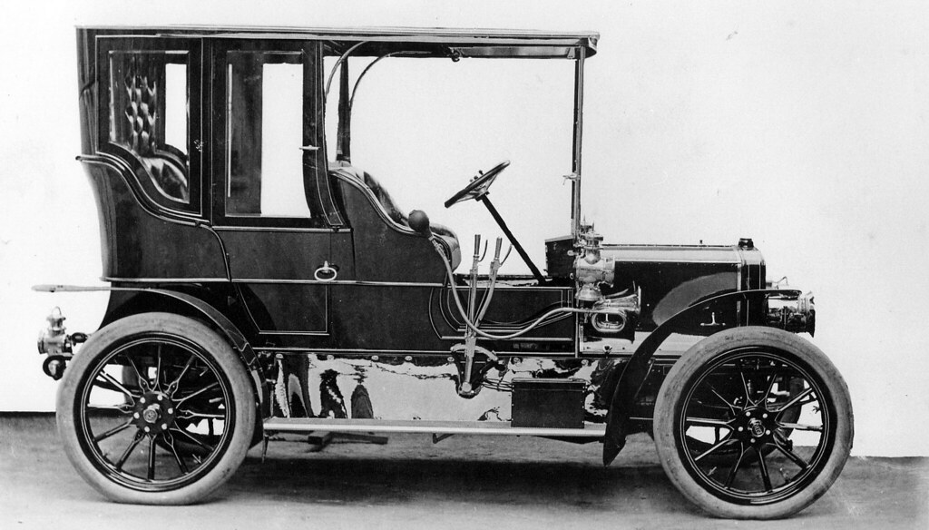 1905 Rose Car