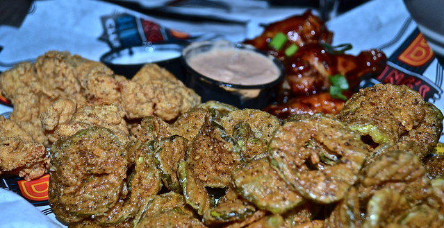 BB Kings Live Music and Dinner, West Palm Beach - soulful sampler (fried pickles, catfish bites, buffalo wings)