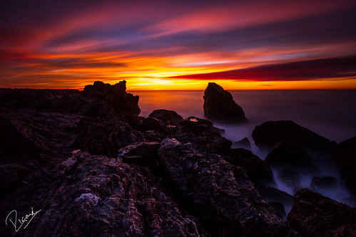 barcelona red sea water clouds sunrise canon mar agua mediterraneo stones bcn silk catalonia amanecer lee nubes catalunya seda 1022mm aigua cataluña 1022 piedras roques pedres canonefs1022mm canonefs1022mmf3545usm mediterrani boires mongat leefilters canonistas sortidadelsol canon7d bigstopper