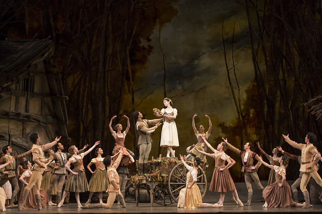 Carlos Acosta as Albrecht and Natalia Osipova as Giselle in Giselle © ROH / Bill Cooper 2014