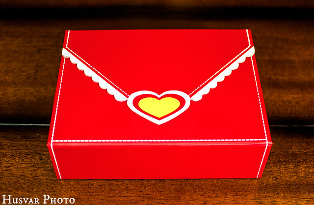 cheryl's valentine love letter box gift review in_the_know_mom