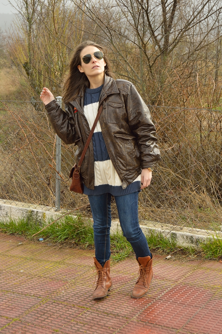 lara-vazquez-madlula-blog-blue-brown-vintage-aviator-mood