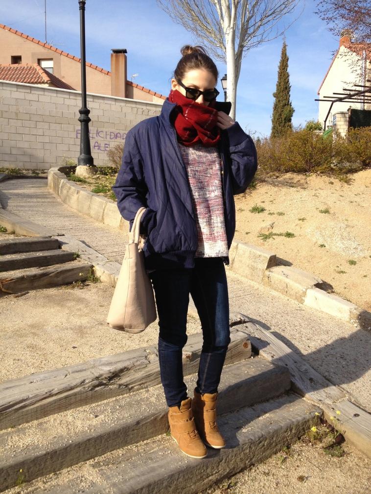 lara-vazquez-madlula-blog-burgundy-blue-camel