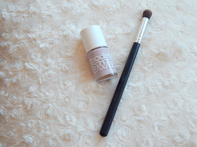 Models Own Utopia Nail Varnish and Ebay Flat Top Concealer Brush