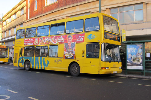 Yellow Buses Bournemouth DB423
